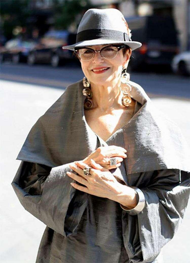 мода для женщин за 50 лет