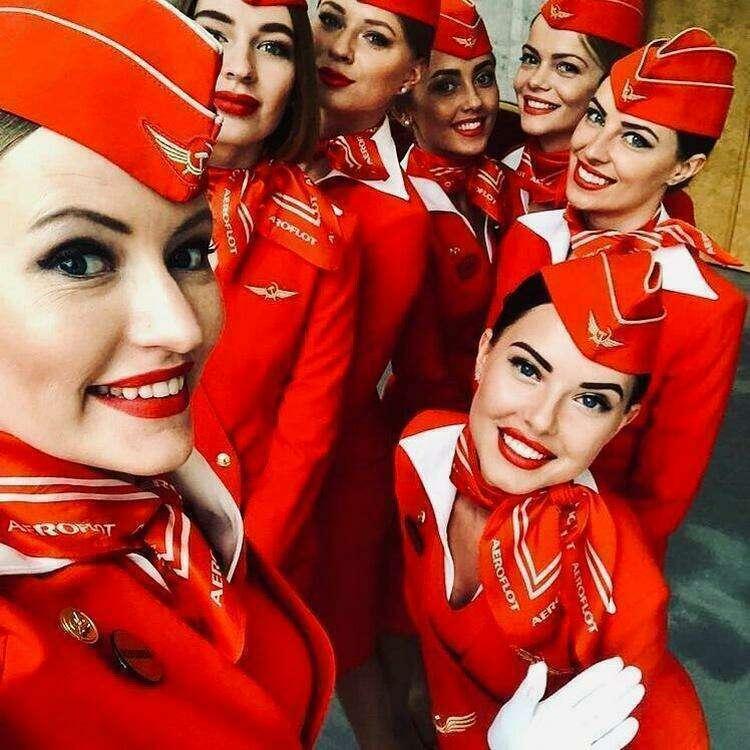 Именно так выглядят стюардессы разных авиакомпаний