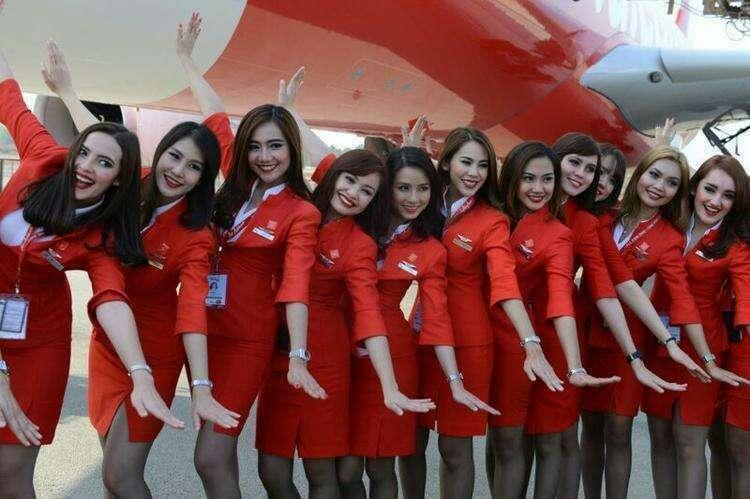 Стюардессы авиакомпании Air Asia