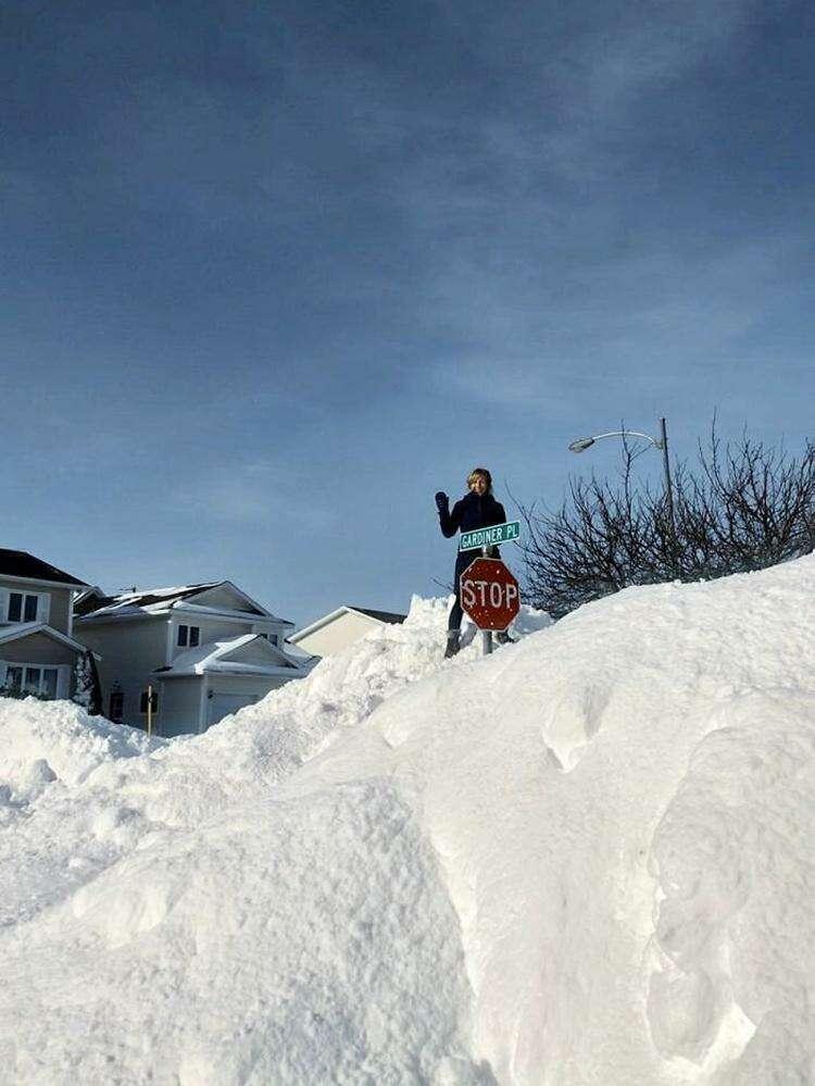 """16. """"Немножко снега на моей улице"""""""