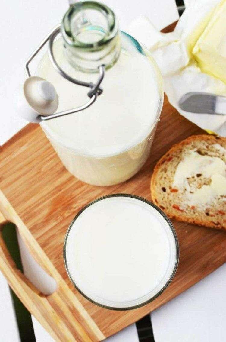 Молоко: пить каждый день или вообще отказаться?