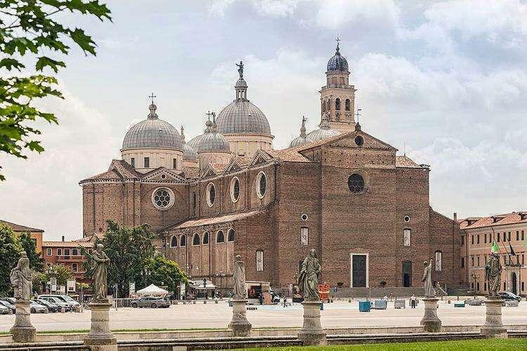 Базилика Святой Иустины
