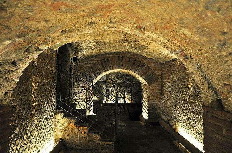 катакомбы Неаполя