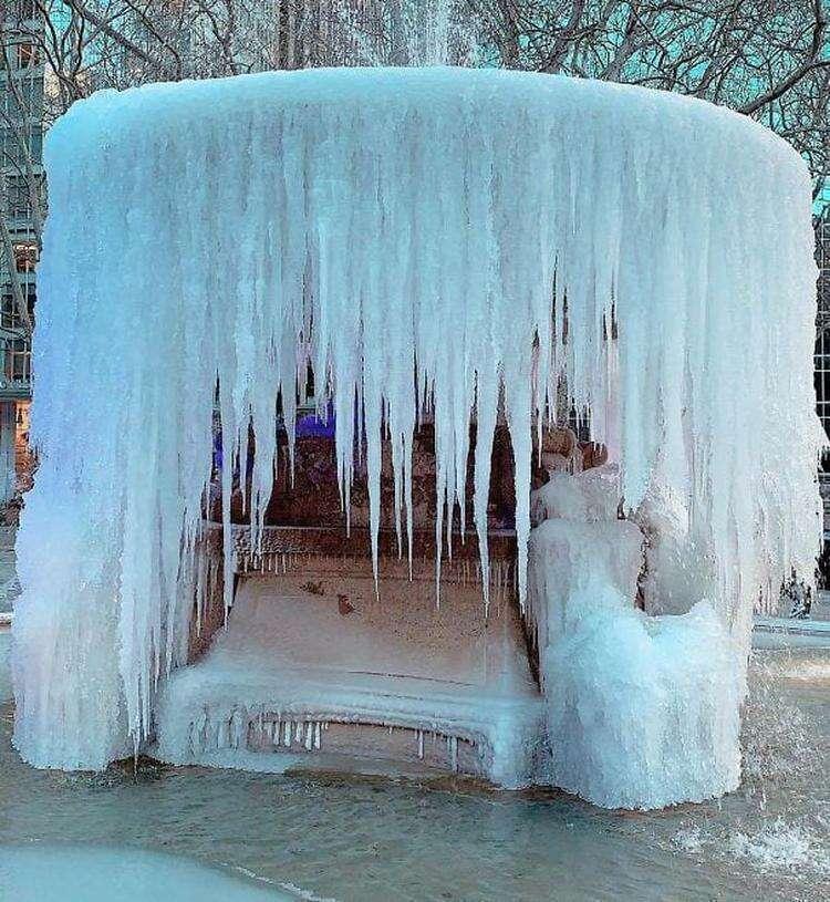 40 фото о том, как американцы переживают аномальные морозы