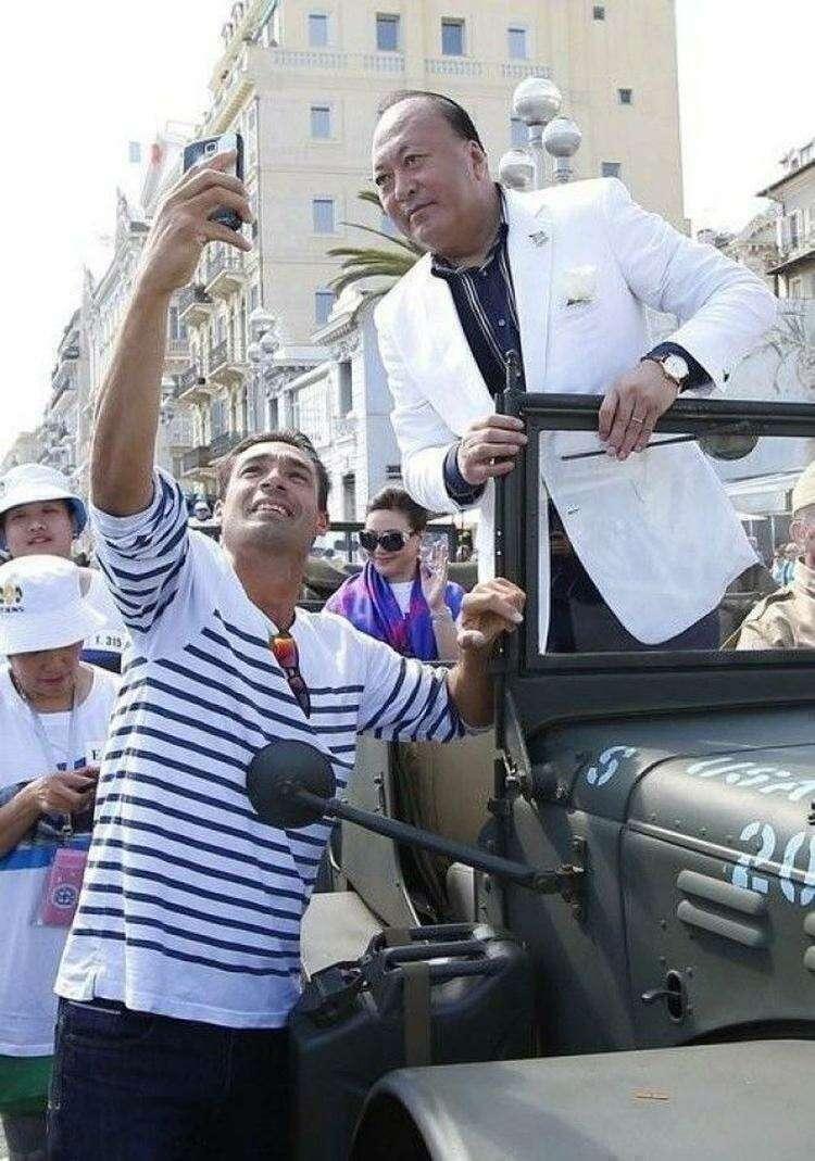 Шеф оплатил своим 6400 работникам отпуск во Франции