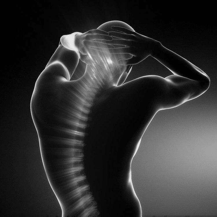 Дыхание позвоночным столбом: простое упражнение для здоровья спины
