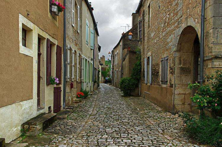 Нуайе-сюр-Серен