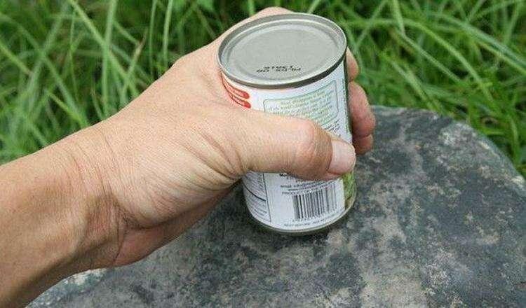 Как открыть консервы без ножа
