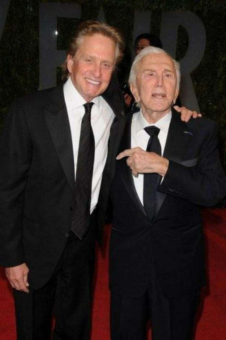 Голливудские знаменитости со славянскими корнями (10 фото)