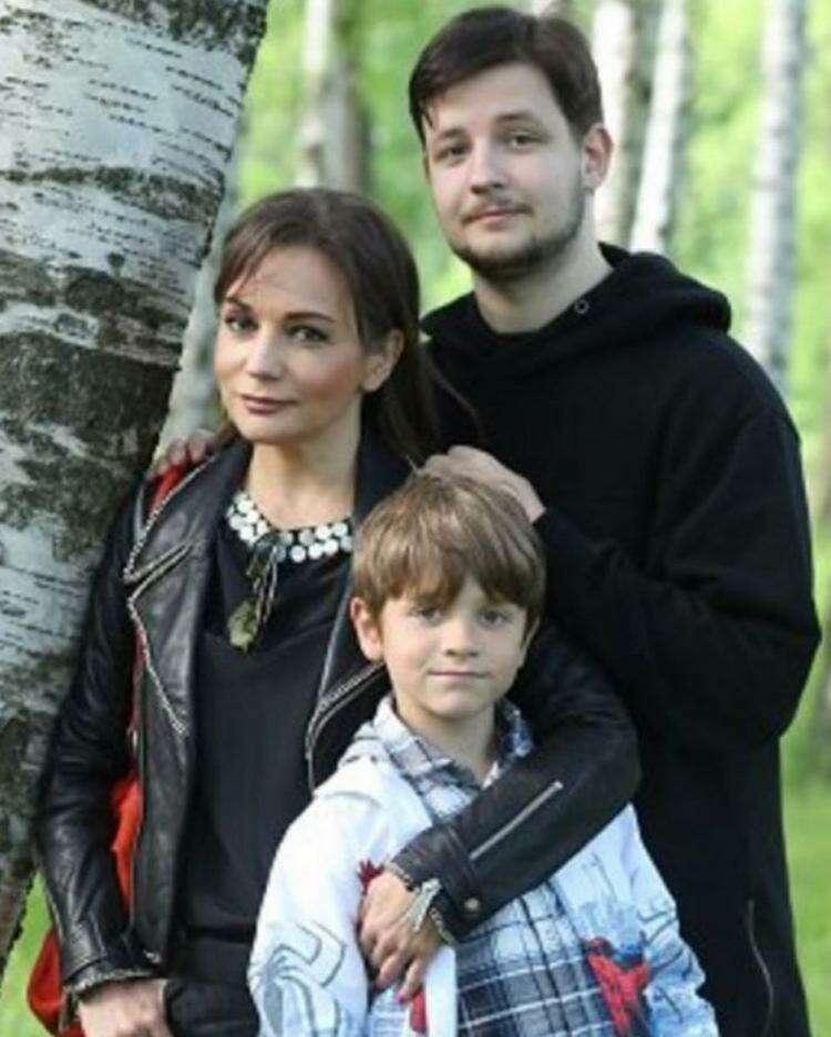 """""""В кого такой красавчик?"""" - Татьяна Буланова показала старшего сына, которому уже 27 лет"""