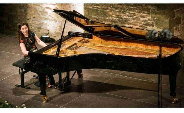 Это пианино стоило $194000 - пока грузчики при перевозке случайно не уронили его с лестницы. Аппарат восстановлению не подлежал