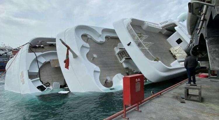 Неудачная швартовка 70-метровой яхты в греческом порту