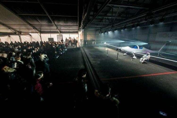 Состоялся дебют самолета, работающего на солнечной энергии и способного доставить людей до границы с космосом