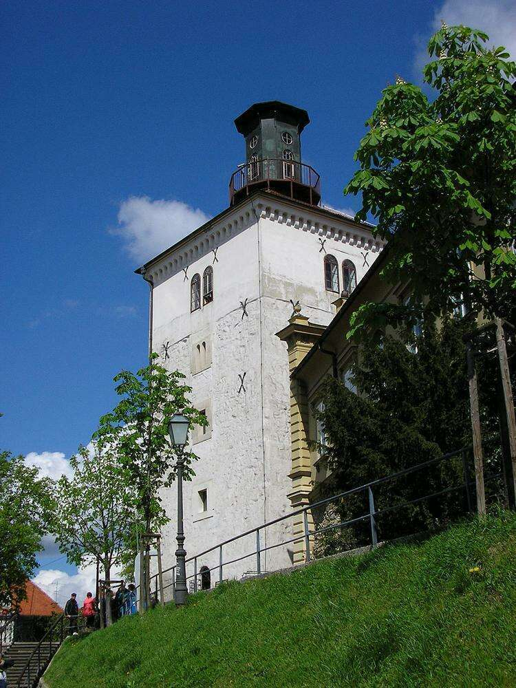 Башня Лотрщак
