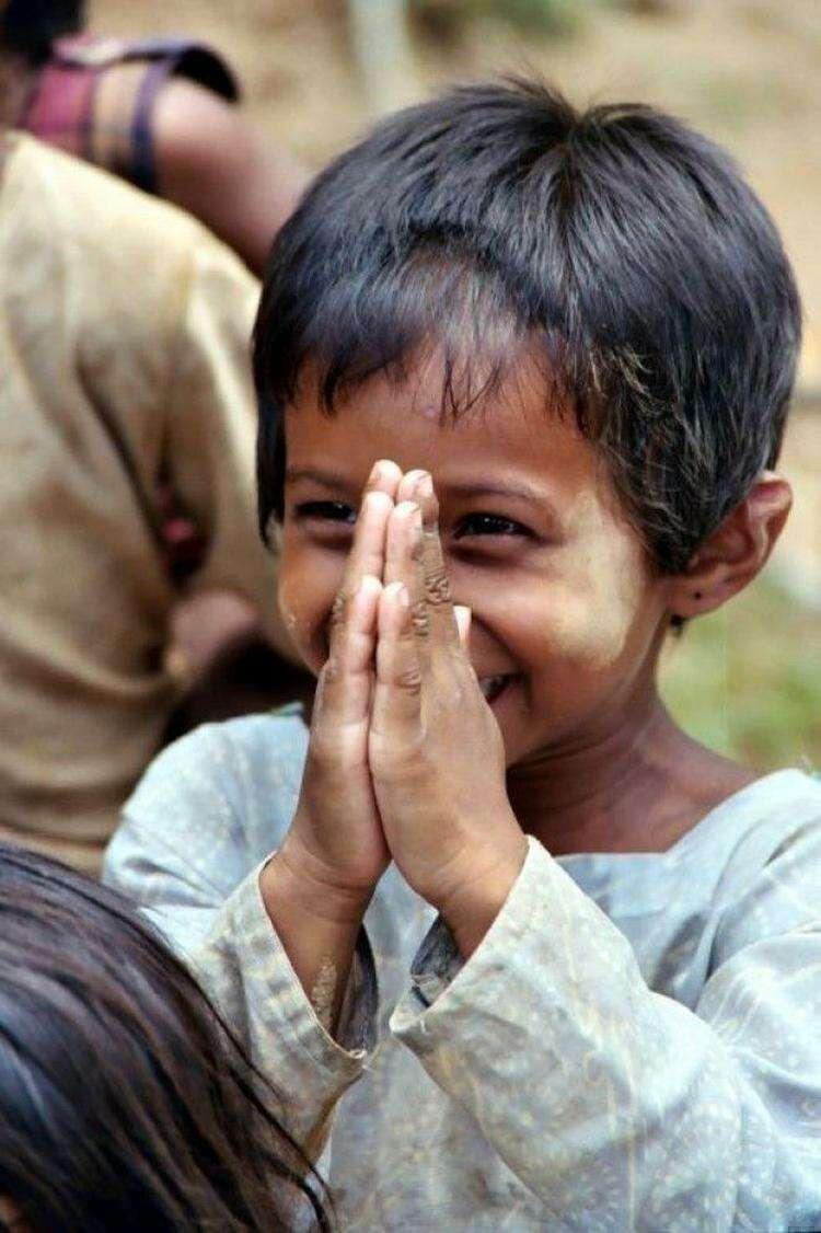 10 видов приветствия в разных странах