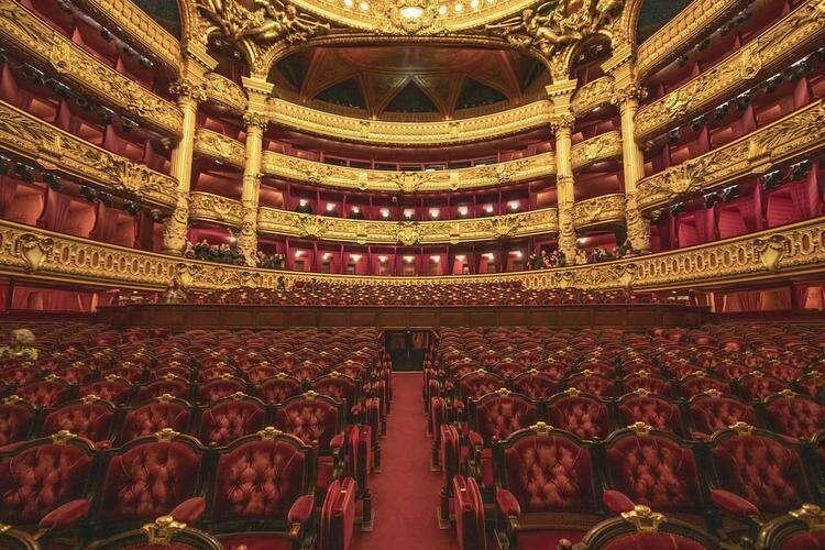 Потрясающие интерьеры исторических театров, какими их видят исполнители