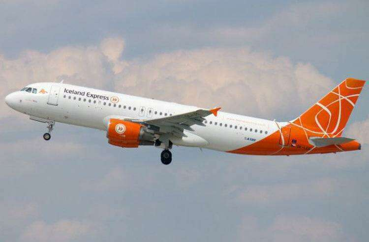 ok-lee-iceland-express-airbus-a320-214_PlanespottersNet_284531