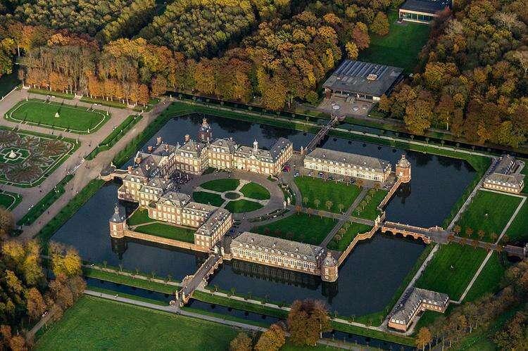Нордкирхенский дворец