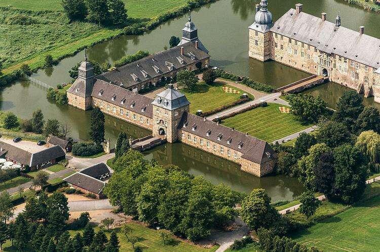 Замок Лембек