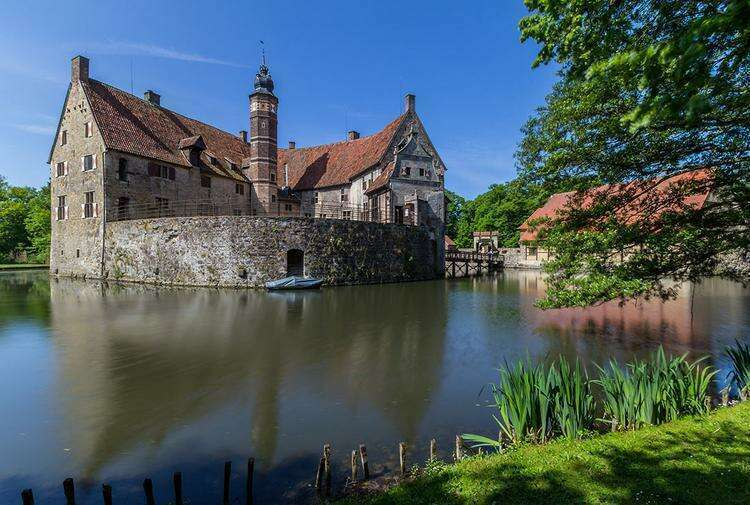 Замок Вишеринг